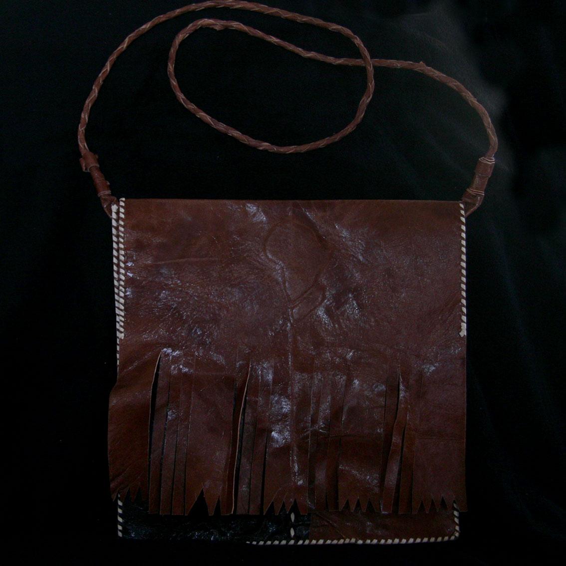 geanta confectionata manual din piele